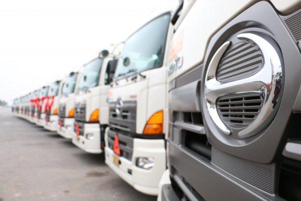 Dàn xe Hino 700 Series được bàn giao cho công ty TNHH Vận tải Việt Hà vào ngày 24/12