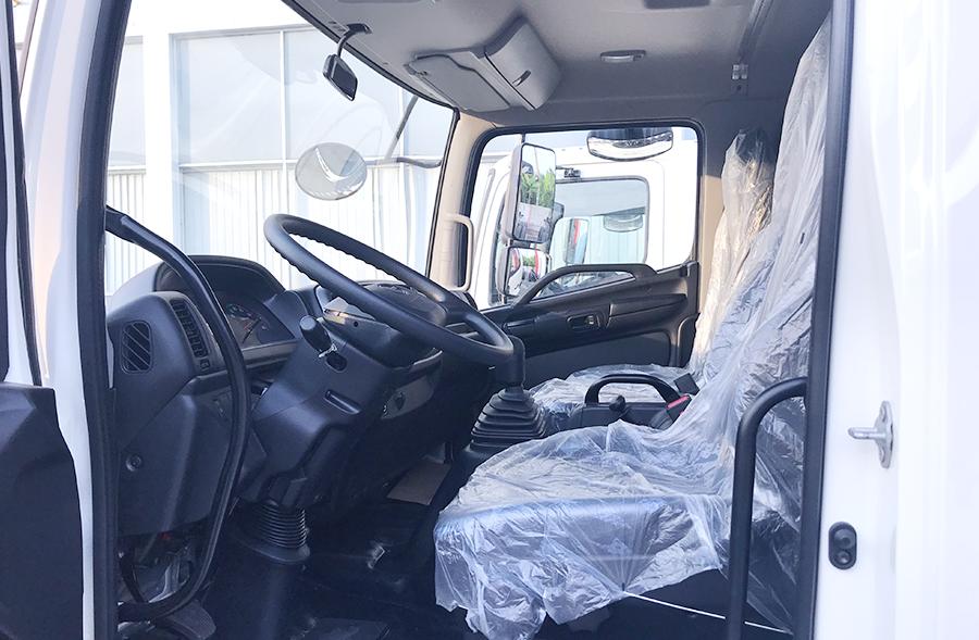 Nội thất Xe tải Hino FL8JT7A Mui Bạc Nhôm